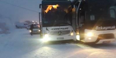Sertavul Geçitinde Otobüsler Burun Buruna