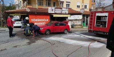 Antalya'da Yanan Araca Hortumlu Müdahale