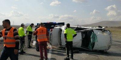 Ereğli Karapınar Yolunda Otomobil Takla Attı: 4 Yaralı