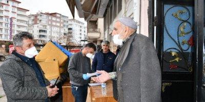 Aksaray'da Yaşlı Adam Dolandırılmaktan Son Anda Kurtuldu