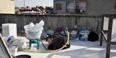 Mersin'de Merdiven Altı Süt Üretimi Yapılan İmalathaneye Baskın