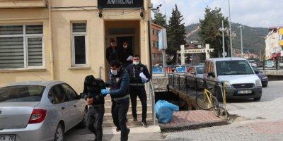 Antalya'da Hırsızlar Camiye Dadandı