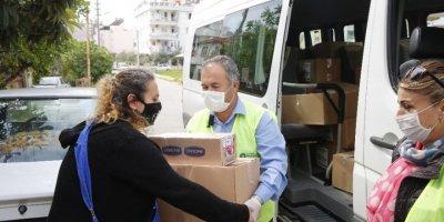 Antalya'da Gıda Yardımını Sürdürüyor