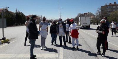 Konya Ankara Bağlantı Noktasında Polise Tatlı Sürpriz