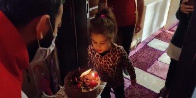 Konya'da Küçük Kıza Doğum Günü Sürprizi
