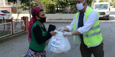 Büyükşehirin Gıda Yardımları Devam Ediyor