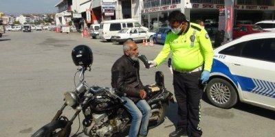 Antalya'da Yaşlı, Öfkeli, Alkollü Adam Polisi Yordu