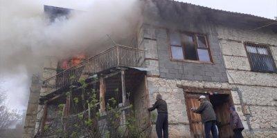 Ermenek'te Yanan Evde Yaşlı Kadın Hayatını Kaybetti