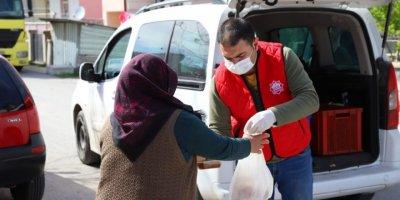 Aksaray Belediyesinden İhtiyaç Sahibi Ailelere Sıcak Yemek İkramı