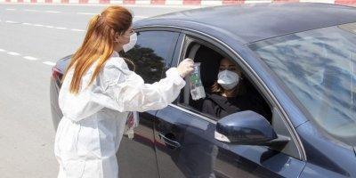 Mersin'de Trafik Işıklarında Sağlık Paketi Dağıtıldı