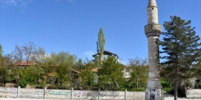 Minareye Bakanlar Gözlerine İnanamıyor