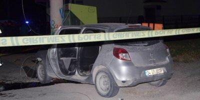Otomobil Elektrik Direğine Çarptı, İş Adamı Hayatını Kaybetti