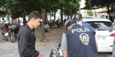 Beyşehir'de Maske Takmayan Yaya Ve Sürücülere 8 Bin 800 Lira Ceza