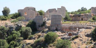 Kanlıdivane Antik Kenti Kızkalesi'ne Gelen Turistleri Bekliyor