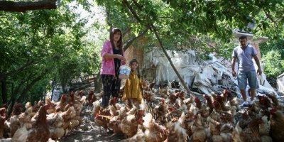Kızlarının Mutluluğu İçin İstanbul'dan Kaçıp Çiftçi Oldular