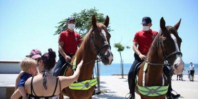 """Antalya'da """"Atlı Polis"""" Ve """"Bisikletli Martı Timleri"""" Görev Başında"""