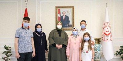 Bakan Zehra Zümrüt Selçuk, Görme Engelli Hafız Ravzanur'u Ağırladı