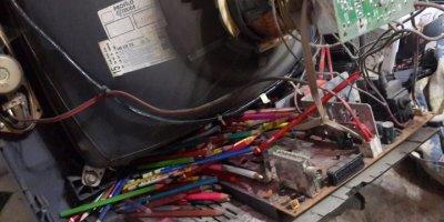 Konya'da Tamir İçin Getirilen Televizyondan 120 Kalem Çıktı