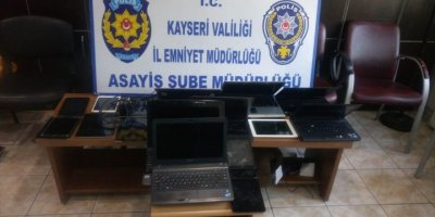 Kayseri'de İş Yeri Fareleri Yakalandı