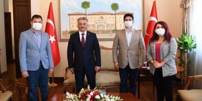 Ukrayna'dan Antalya'ya İlk Gün 949 Turist Geldi