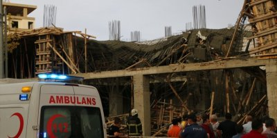 Aksaray'da İnşaatta Meydana Gelen Çökmede İki İşçi Yaralandı