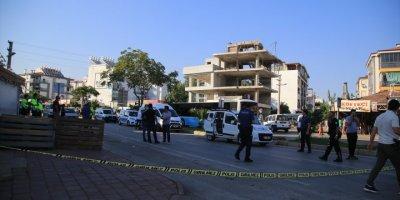 Antalya'da Trafikte Karşılaşan Hasımlar Terör Estirdi