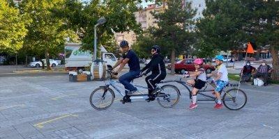 Konyalı Çiftin Düğün Konvoyuna Bisiklet Sürprizi