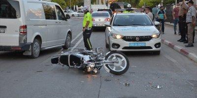 Karaman'da Otomobil İle Motosikletin Çarpıştığı Kazada İki Kişi Yaralandı