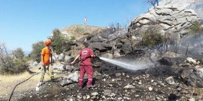 Antalya'da Makilik Alanda Çıkan Yangın Söndürüldü