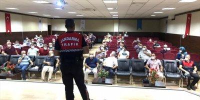 Antalya'da Jandarmadan, Servis Şoförlerine Kovid-19 Eğitimi