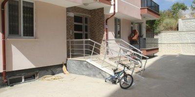 Konya'da Bisiklet Tekeri Çalan Hırsız Kameraya Yansıdı