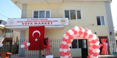 """Aksaray'da İhtiyaç Sahiplerine İçin Kurulan """"Vefa Market"""" Açıldı"""