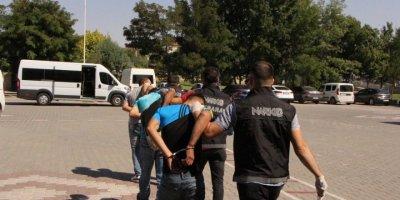Aksaray'da Uyuşturucu Sattıkları İddiasıyla 5 Şüpheli Tutuklandı