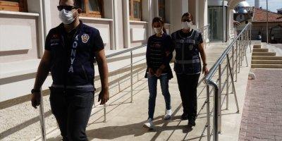 Konya'da Birlikte Yaşadığı Kişiyi Bıçakla Öldüren Kadın Adliyeye Sevk Edildi