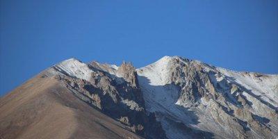 Erciyes Dağında Kış Manzarası
