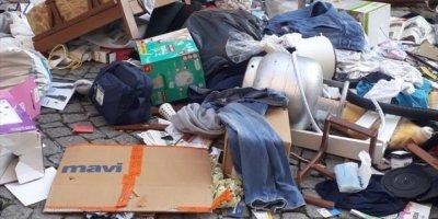 Eskişehir'de Evindeki Eşyaları Sokağa Atan Kişi Tedavi Altına Alındı