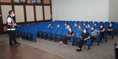 """Antalya'da Annelere """"Narkorehber"""" Eğitimi Verildi"""