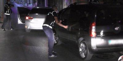 Mersin'de Polisin Adım Adım İzlediği Araçtan 55,5 Kilogram Eroin Çıktı