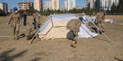 """Kayseri'de Jandarmaya """"Doğal Afetler Ve Çadır Kurma Eğitimi Verildi"""