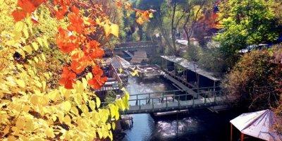 Ihlara Vadisi'ndeki Sonbahar Renkleri Ziyaretçilerini Hayran Bırakıyor