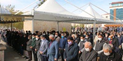 Kayseri'de Belediye Başkanı Babasının Cenazesine Katılamadı