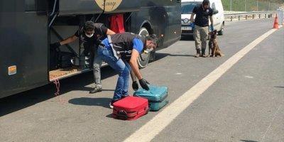 Mersin'de Meyve Suyu Paketine Sentetik Uyuşturucu Gizleyen Zanlı Tutuklandı