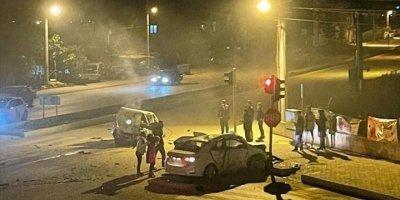 Antalya'da İki Otomobil Çarpıştı: 3 Ölü, 4 Yaralı