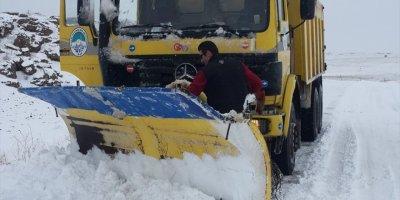 Kayseri Büyükşehir Belediyesinin Kar Timi Hafta Sonunda 266 Mahalle Yolunu Açtı