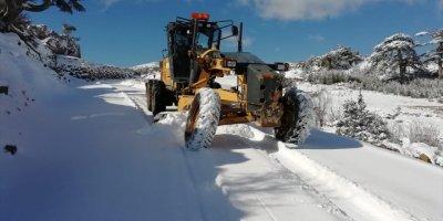 Kar Nedeniyle Yayla Evinde Mahsur Kalan Vatandaşı Belediye Ekipleri Kurtardı