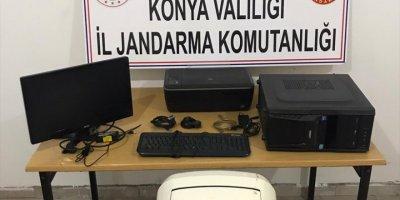 Konya'da Bir İş Yerinden Hırsızlık Yapan 4 Şüpheli Niğde'de Yakalandı