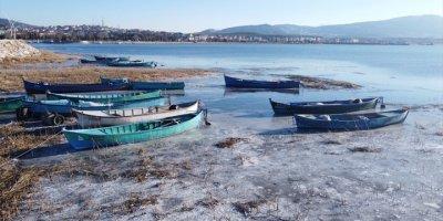 Konya Beyşehir Gölü'nde Buzlu Manzara