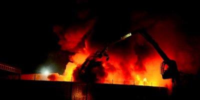 Eskişehir'de Geri Dönüşüm Fabrikasında Çıkan Yangın Söndürüldü