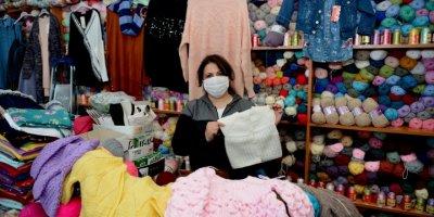 Eskişehir'de Bir İşletme Sahibi Kadın Kimsesiz Çocuklar İçin Örgü Hırka Kampanyası Başlattı
