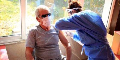 Huzurevi Sakinleri Kovid-19 Aşısı Uygulamasından Memnun